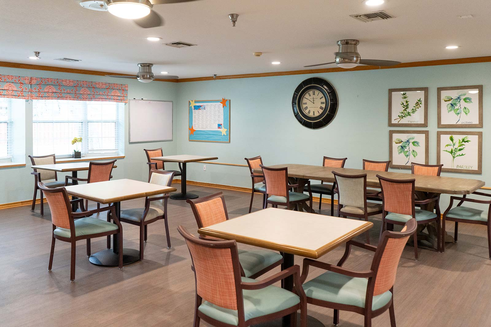 Memory care dining room at Heron House assisted living and memory care community in Sarasota, FL